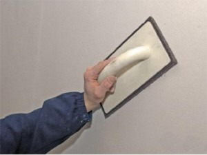 шпаклевание стен затирка