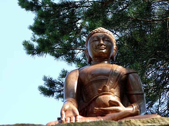 Скульптура из оникса Будда медицины