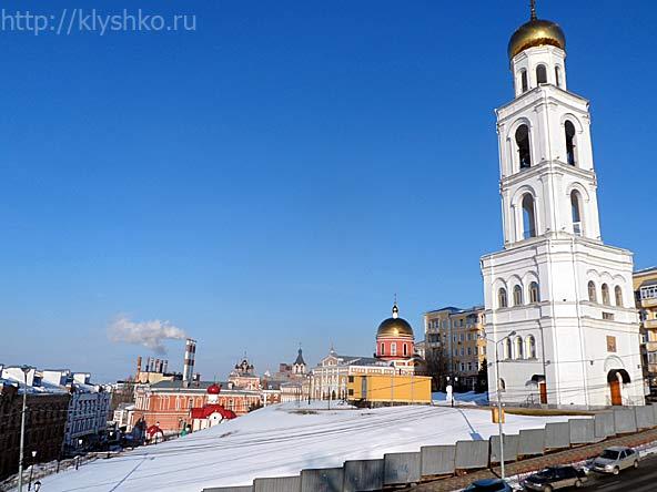 Иверский женский монастырь. Церковь Николая Чудотворца в колокольне монастыря