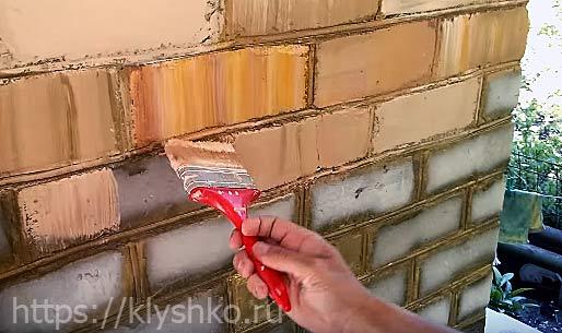 как-покрасить-кирпичную-стенку
