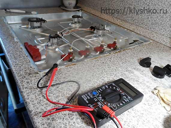 постоянно-щелкает-электроподжиг-газовой-плиты