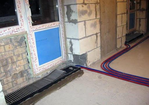 внутрипольные-конвекторы-водяного-отопления